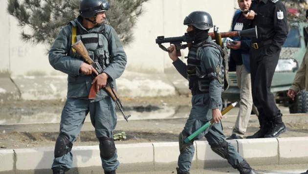 Afghanische Polizisten im Einsatz (Bild: AFP)