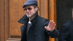 Brad Pitt zeigte sich gut gelaunt in Paris. (Bild: www.PPS.at)