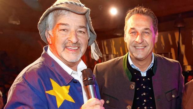 """""""EU-Bauer"""" Manfred Tisal mit Heinz-Christian Strache bei einer FPÖ-Veranstaltung im Jahr 2017 (Bild: Uta Rojsek-Wiedergut)"""