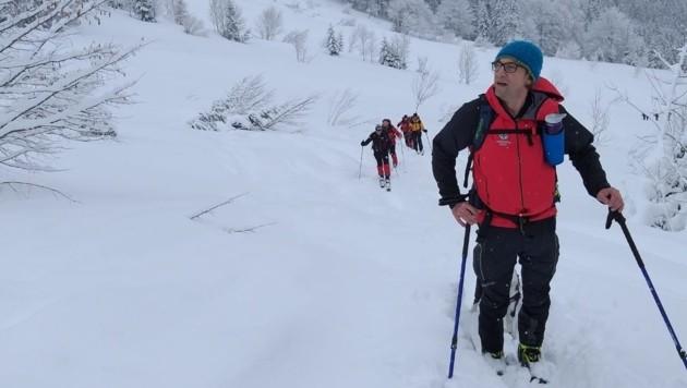 Bergretter im Sucheinsatz (Bild: Alpiner Bergrettungsdienst Gesäuse)