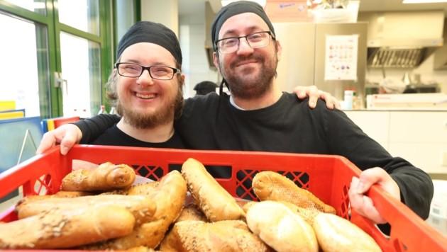 Stolze Arbeiter: Florian Finsterbusch (links) und, Klaus Molnar (Bild: Radspieler Jürgen)