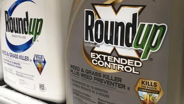 Das von Monsanto produzierte Unkrautvernichtungsmittel Roundup (Bild: AP)