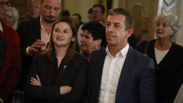 Andreas Reindl mit FPÖ-Chefin Marlene Svazek am Wahlabend. (Bild: Tschepp Markus)