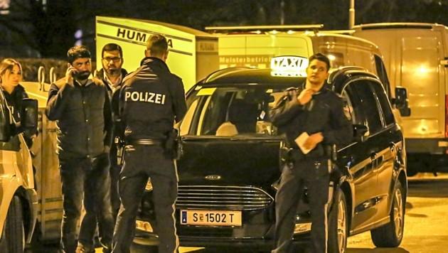 Stets gefährlich: Ein nächtlicher Einsatz in der Stadt Salzburg (Bild: Tschepp Markus)