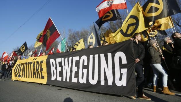 Identitäre bei einer Demonstration (Bild: APA/ERWIN SCHERIAU)