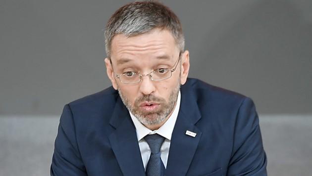 Innenminister Herbert Kickl (Bild: APA/ROLAND SCHLAGER)