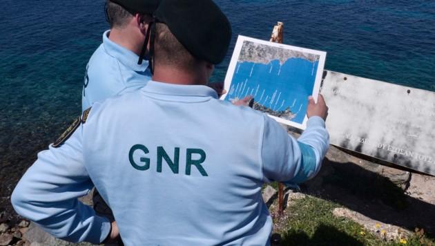 Beamte der Grenzschutzagentur Frontex (Bild: AFP)