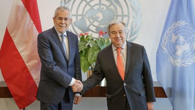 Bundespräsident Alexander Van der Bellen und UN-Generalsekretär Antonio Guterres (Bild: APA/BUNDESHEER/PETER LECHNER)