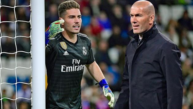 Luca Zidane und sein stolzer Papa/Trainer, Zinedine Zidane (Bild: APA/AFP/JAVIER SORIANO)