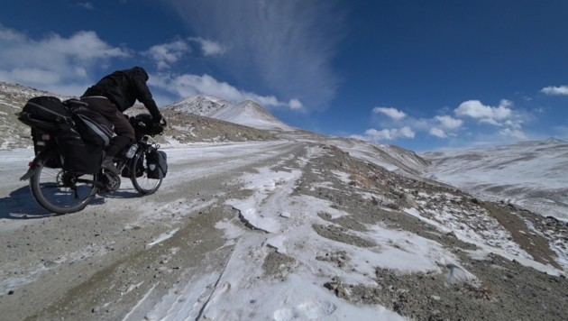 Auf dem Pamir-Highway (Bild: Edwin Schmidt)