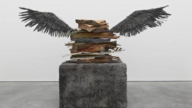 Die Skulptur ist mehr als vier Meter hoch und 1,80 Meter breit. (Bild: Anselm Kiefer/Facebook)