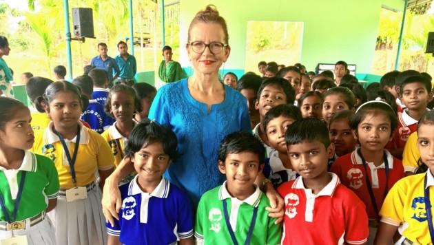 """Als erste """"Senior-Expertin"""" half Maria Kirchmayr in der südindischen Provinz Chennai. (Bild: Jugend Eine Welt)"""