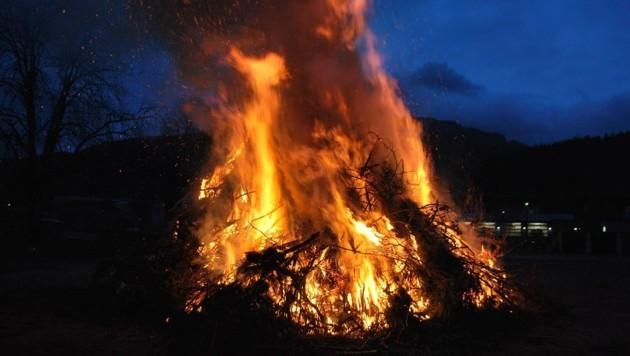Ein Bild, das es heuer in der Steiermark nicht geben wird: Die Osterfeuer sind verboten! (Bild: BFV Leoben/Schönauer)