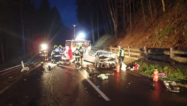 Tödlicher Verkehrsunfall Breitenau (Bild: Freiwillige Feuerwehr Mixnitz)