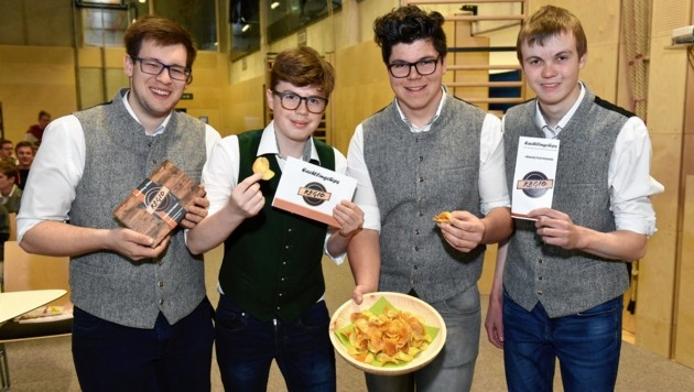 Kreierten Eachtling-Chips: Stephan Kendlbacher, Andreas Holzer, Marcel Koch und Peter Florian-Grabner (Bild: LMZ/Neumayr)