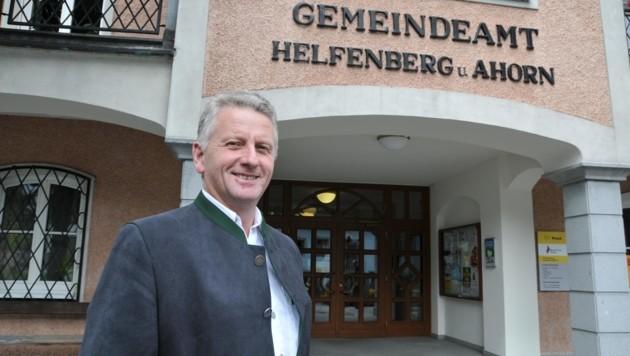 Josef Hintenberger (ÖVP) ist neuer Bürgermeister in Helfenberg. (Bild: KRONEN ZEITUNG)