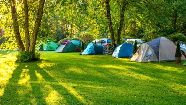 Camping kann idyllisch sein. In Unterach wurde der Friede am Campingplatz gestört. (Symbolbild) (Bild: Taiga/stock.adobe.com)