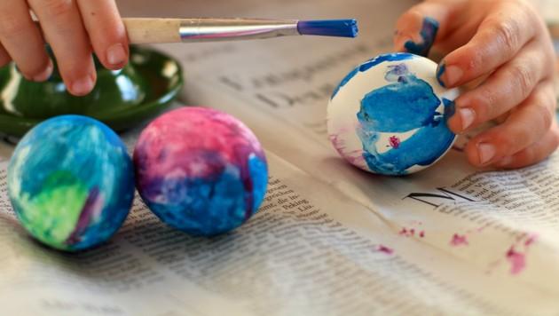 Lehrerin: Eierfärben ist auch für Muslime zumutbar