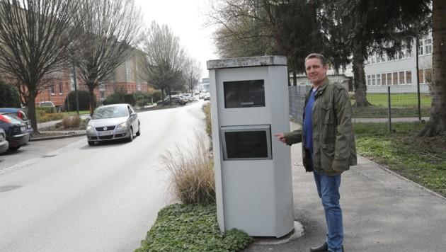 Peter Stummer (SP) fordert ein Verkehrskonzept, statt eines weiteren Radargeräts für Ried. (Bild: Scharinger Daniel)