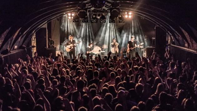 """Volles Rockhouse zum Auftakt der Tournee: """"Silbermond"""" (Bild: Tobias Negebauer)"""