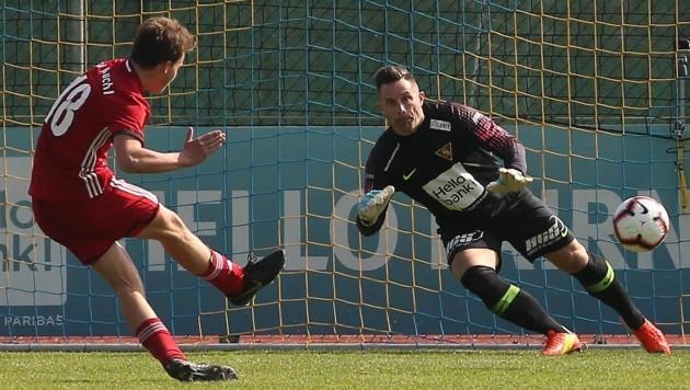 Traf gegen SAK-Goalie Berger doppelt: Kuchls Matthias Seidl. (Bild: Krug Daniel)