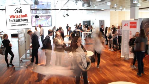 Gut 300 Schüler, Studenten und junge Fachkräfte besuchten die Jobmesse der besonderen Art (Bild: ANDREAS TROESTER)