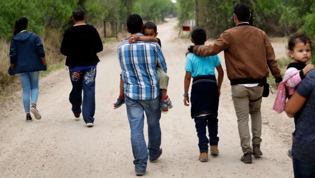 Migranten auf der Suche nach einem besseren Leben. (Bild: AP)