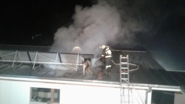 In Vorderweißenbach brannte in der Nacht ein Wohnhaus (Bild: FF Vorderweißenbach)