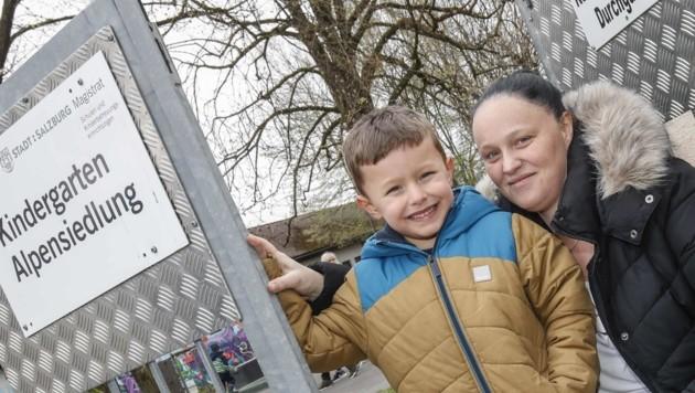 Eltern protestieren: Jeanatte Elixhauser will, dass ihr Sohn Kerim weiter hier spielen kann. (Bild: Tschepp Markus)