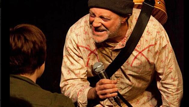 Komiker Ian Cognito starb während seiner eigenen Show auf der Bühne. (Bild: Screenshot/Facebook.com)