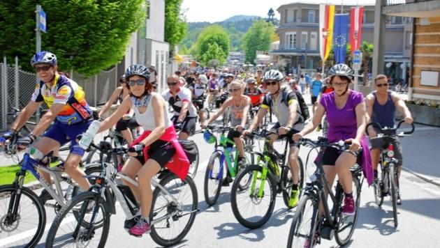 Tausende Hobbysportler radelten im vergangenen Jahr rund 44 Kilometer um den autofreien Wörthersee. (Bild: Evelyn HronekKamerawerk)