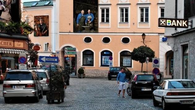 Die Bettlerin sprach ihr Opfer in der Halleiner Altstadt an (Symbolbild). (Bild: TVB Hallein)