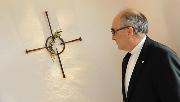 """Die Osterbotschaft des Bischofs: """"Schaut auf das Kreuz"""" (Bild: Christian Jauschowetz)"""