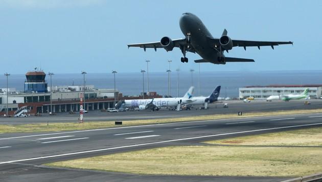 Ein Airbus 310 der deutschen Luftwaffe brachte die deutschen Urlauber nach dem Busunglück von Madeira nach Deutschland. (Bild: AFP)