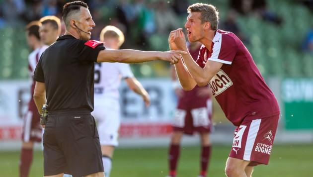 Auch bei Mattersburg gegen Wacker Innsbruck hatten Spieler wie Alois Höller mit den Pfiffen der Schiris zu hadern… (Bild: GEPA)