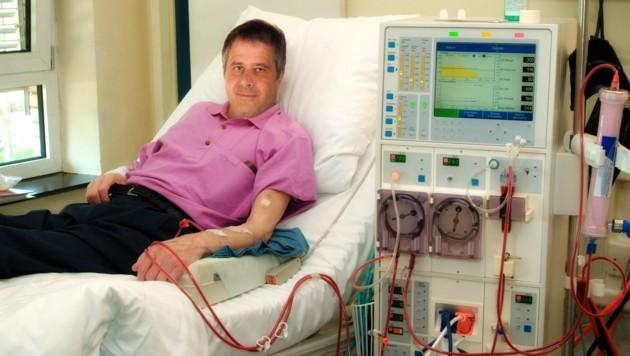 Drei Mal in der Woche muss die junge Steirerin für jeweils vier Stunden zur Dialyse (Symbolbild) (Bild: Eisenhans/stock.adobe.com)