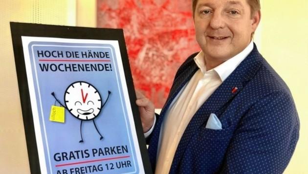 Im Vorjahr warb der Villacher Bürgermeister Günther Albel mit diesem Slogan für eine 20-Minuten-Gratisparken-Regel. Jetzt zahlt man für drei Stunden nichts. (Bild: Kofler)