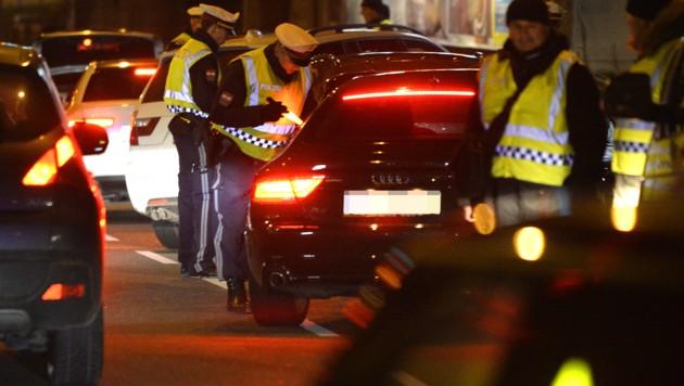 Die Polizei löste Treffen der Tuning-Szene auf (Bild: APA/HANS KLAUS TECHT)