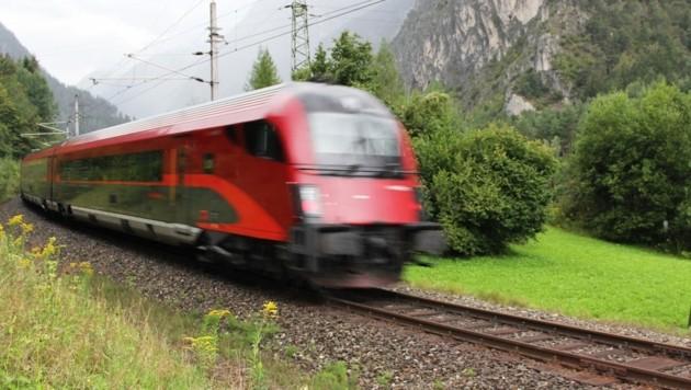 Die Arlbergbahnstrecke ist nach einem Murenabgang wieder frei. (Bild: ÖBB)