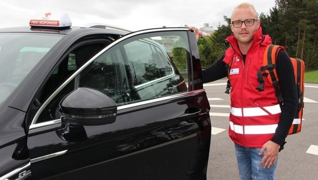 Der Held des Tages: Notfallsanitäter Kevin Kalchbrenner (Bild: Rotes Kreuz )