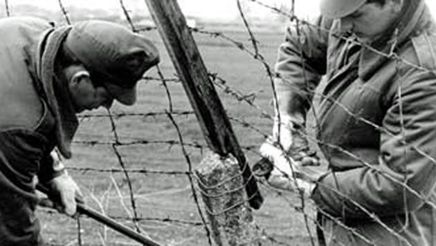 2. Mai 1989: Der Eiserne Vorhang bekommt in Ungarn erste Lücken (Bild: Kronen Zeitung)