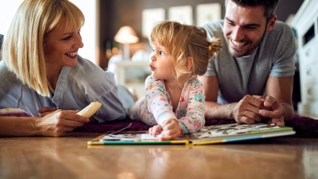 """Ein Glück, wenn beide Eltern Zeit haben. Was ist Glück?, fragt auch ein Vortrag in der """"Erziehungsimpulse""""-Reihe. (Bild: stock.adobe.com)"""