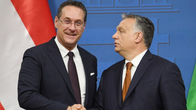 Strache und sein ungarisches Vorbild, Ministerpräsident Viktor Orban (Bild: AFP)