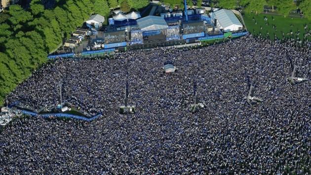 Liebe SPÖ, so sehen 120.000 Fans aus ...