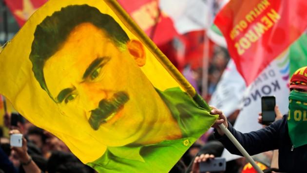 Abdullah Öcalan verbüßt seit 20 Jahren in fast völliger Isolation auf der Gefängnisinsel Imrali im Marmara-Meer eine lebenslange Freiheitsstrafe. (Bild: AP)