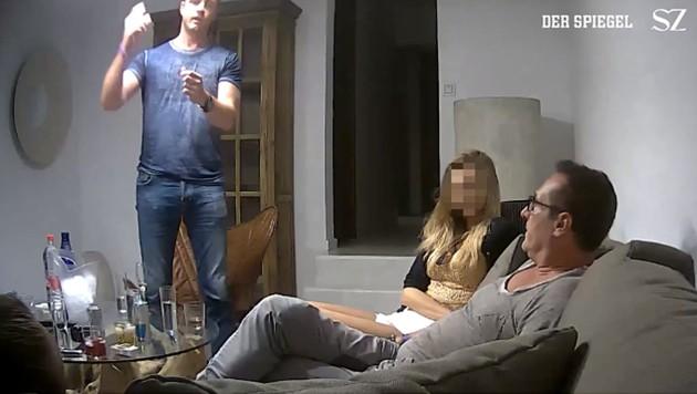 Ein Ausschnitt aus dem berühmten Ibiza-Video mit Ex-FPÖ-Chef Heinz-Christian Strache und Ex-FPÖ-Klubobmann Johann Gudenus (Bild: Screenshot spiegel.de, SZ)