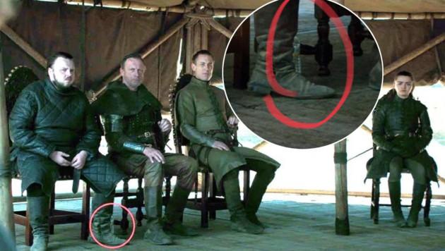 In der letzten Folge der HBO-Serie fiel argusäugigen Fans schnell die Wasserflasche aus Plastik auf, die hinter dem Bein von Samwell Tarly (links im Bild) zu sehen ist. (Bild: HBO)