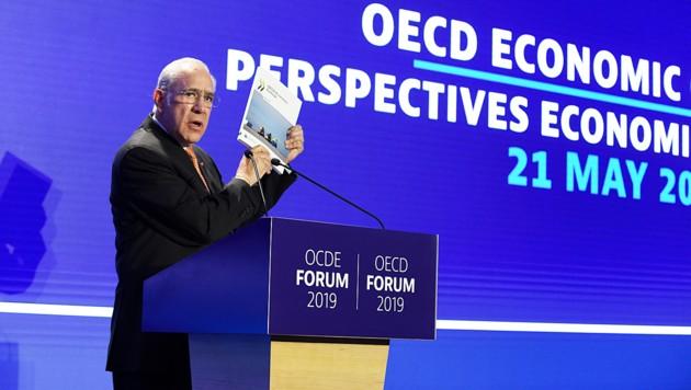 OECD-Generalsekretär Jose Angel Gurria bei der Präsentation der Prognose am Sitz der Organisation in Paris (Bild: AFP )