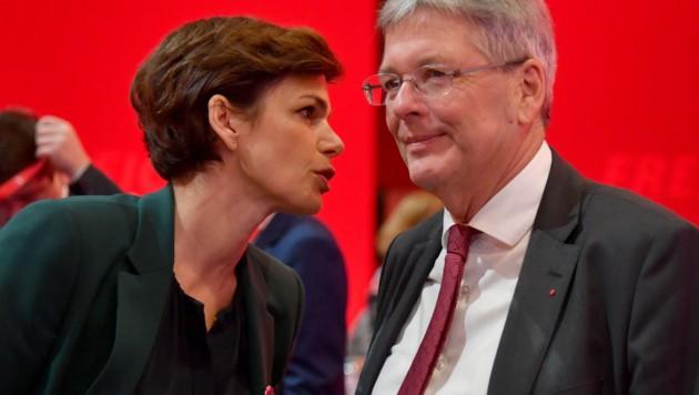 SPÖ-Bundesparteivorsitzende Pamela Rendi-Wagner und Kärntens Landeshauptmann Peter Kaiser (Bild: APA/BARBARA GINDL)