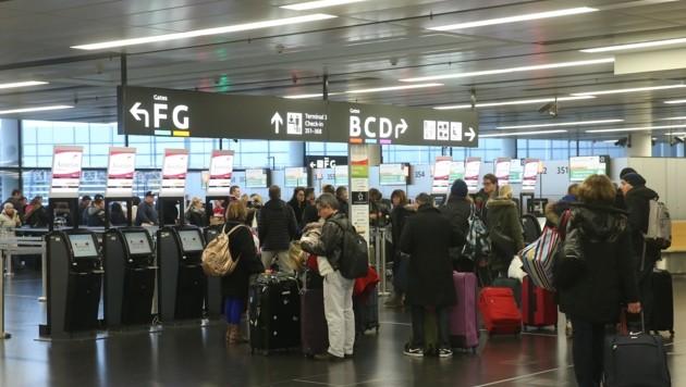 Am Flughafen in Wien sollten die Kärntner eigentlich schon drei Tage vorher ankommen. (Bild: Peter Tomschi)